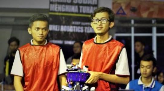 Tim Robot UTM Masuk 5 Besar Pada Kontes Robot Indonesia